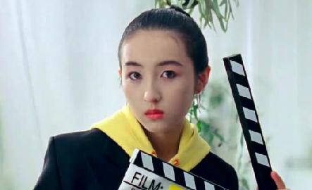 新百伦镜头下的张子枫,是青春的样子没错了